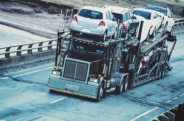 Movers-Transporting-Cars-Cross-Country