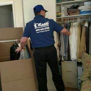Packing and Moving Your Wardrobe